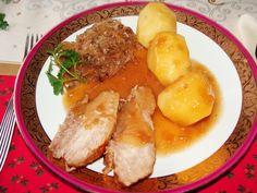 Pieczeń wieprzowa z kapustą kiszoną i ziemniakami
