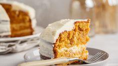 Dynia zdecydowanie jest zwyciężczynią plebiscytu na najlepsze jesienne warzywo. Można z niej przygotować zarówno pyszne dania obiadowe, jak i desery. A co z dyni robią najpopularniejsi szefowie i szefowe kuchni? Sprawdźcie. Vanilla Cake, Hokkaido