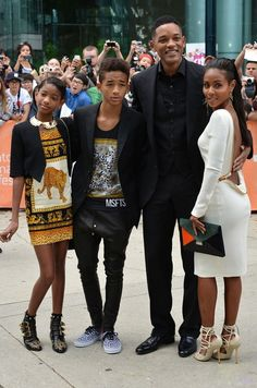 Will Smith with his family. See their info @ http://healthyceleb.com/will-smith-height-weight-body-statistics/5956/
