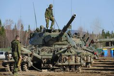 Armored Photos: Leopard Military Pins, Military Photos, World Tanks, Battle Tank, Armored Vehicles, Tactical Gear, Warfare, Military Vehicles, Weapons