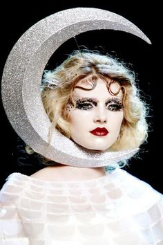 I THOUGHT MEN WERE FROM MARS AND WOMEN FROM VENUS (John Galliano)