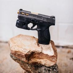 RAEIND Double Stack Magazine Speed Loader for Many calibers Pistol Magazines Including 32 auto, Luger, ACP, ACP speedloader Smith And Wesson Shield, Smith N Wesson, M&p Shield 40, Pocket Pistol, 9mm Pistol, Shooting Guns, Home Defense, Cool Guns, Guns And Ammo