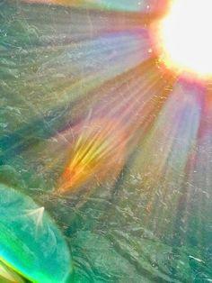 運気がドカンとアップする!光の写真 - アマテラス! Spiritual Paintings, Amaterasu, Sky Photos, The Shining, Visionary Art, Lens Flare, Spiritual Life, Beautiful Lights, Light Photography