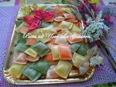 Ravioli colorati!  #pastafresca #pastalaguitarra #pastafrescalaguitarra #pasta #handmade #food #foodporn