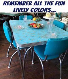 Retro furniture colour ideas for 2019 Furniture, Retro Furniture 1950s, Trendy Furniture, Vintage Kitchen Decor, Vintage House, Kitchen Table Settings, Retro Kitchen Tables, Cheap Patio Furniture, Retro Kitchen