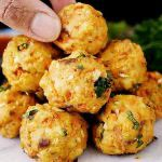 Chiftele de Post, din Ciuperci și Legume (Rețetă) | La Taifas Cheese Pies, Cooking Recipes, Healthy Recipes, Home Food, Vegetable Recipes, Cauliflower, Goodies, Food And Drink, Yummy Food