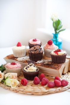 Home photo shoot with valentine themed cupcakes! Raspberries and Chocolate cupcakes by Cake Me! Oslo