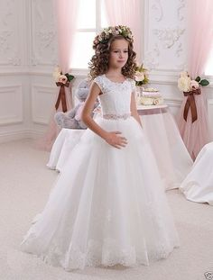 I found some amazing stuff, open it to learn more! Don't wait:https://m.dhgate.com/product/new-white-ivory-cap-sleeve-a-line-girls-dresses/384846761.html
