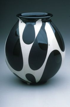 Sam Scott Pottery. Black teardrops on a white base