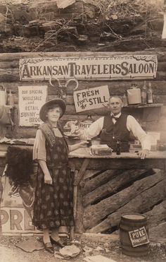 vintage everyday: 'Arkansaw Traveler's Saloon' — This is One of the Best Old-time Photography Studios Ever Vintage Pictures, Old Pictures, Time Photography, Photography Studios, Popular Photography, Inspiring Photography, Photography Tutorials, Creative Photography, Digital Photography