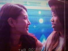 Heartwarming screen shot of BoA and Michelle Lee on 'K-Pop Star' #allkpop #kpop #BoA