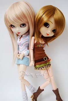 Awesome pullip twins:)