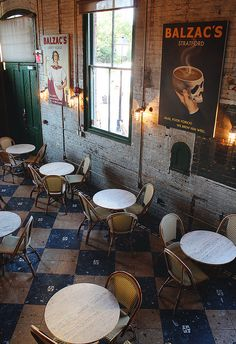 Balzac's Coffee | Toronto (cosy, café, cafeteria, coffee shop, coffeehouse, atmosphere, style)