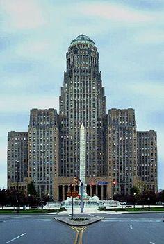 El ayuntamiento de Búfalo en Nueva York es una magnifica obra de arquitectura donde se observa la simetría característica del art déco y la majestuosidad. ArquitectoDietel, Wade & Jones. 1932