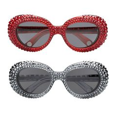 Les lunettes scintillantes de Marc Jacobs http://www.vogue.fr/mode/news-mode/articles/les-lunettes-scintillantes-de-marc-jacobs/16170