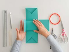 The ultimate step-by-step guide for your first explosion box - part 1 - The ultimate step-by-step guide for your first Explosi – Suzu Papers - Art Origami, Origami Box, Explosion Box Tutorial, Diy Paper, Paper Crafts, Diy Tumblr, Heart Template, Envelope Punch Board, Useful Origami