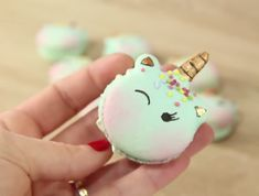 Unicorn Macaroon, Macaroon Cake, Macaron Cookies, Meringue Desserts, Cute Desserts, Healthy Dessert Recipes, Cake Decorating Videos, Cake Decorating Techniques, Super Cool Cakes