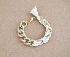 Cream bracelet with chunky chain, chain bracelet, braid bracelet, arm candy, beige boho bracelet, beige and gold