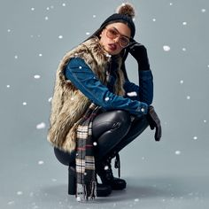 Studio F Colombia Let It Snow, Let It Be, Fashion Moda, Grunge, Winter Jackets, Leggings, Studio, Gloves, Jackets