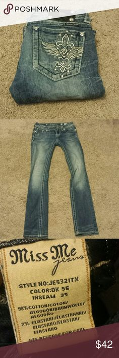 "Miss Me Straight Leg Bling Jeans! Miss Me Straight Leg Bling Jeans! Size 26, inseam 35"". EUC. Miss Me Jeans Straight Leg"