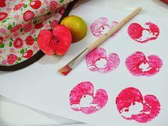 Pictura cu stampile din mere - Clipe Frumoase cu Ema Plastic Cutting Board, Homeschooling, Homeschool