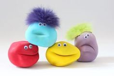 How can you actually do an anti stress ball yourself? To make a kneadin Diy Stressball, Anti Stress Ball, Sensory Boxes, Colourful Balloons, Baby Center, Monster Party, Printable Cards, Diy Wall Art, Rubber Duck