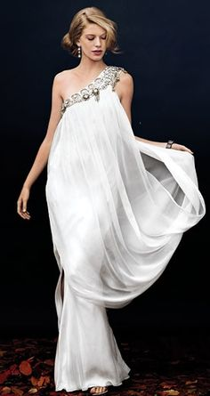 The latest tips and news on wedding-gowns are on Weddings Fresh. On Weddings Fresh you will find everything you need on wedding-gowns. Beautiful Gowns, Beautiful Outfits, Bridal Gowns, Wedding Gowns, Wedding Cakes, Chic Wedding, Wedding Tips, Dream Wedding, Evening Dresses