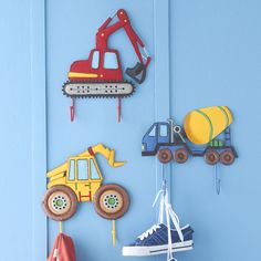 20 interesting designs for children& wall hooks- 20 interessante Designs für Kinderzimmer-Wandhaken Interesting designs for toddler wall hooks with trucks for boys - Boy Toddler Bedroom, Big Boy Bedrooms, Toddler Rooms, Kids Bedroom, Kids Rooms, Bedroom Ideas, Boys Construction Room, Construction Theme Bedroom, Truck Bedroom