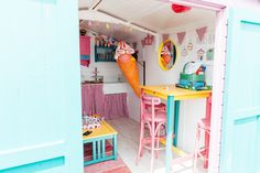 A 2016 Top Ten Beach Hut of the Year Beach Hut available for hire in Walton-on-the-Naze in Essex. Beach Hut Interior, Walton On The Naze, Beach Huts, Front Rooms, Tiny House Living, Parlour, Beetroot, Play Houses, Shed