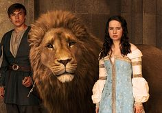 William Moseley & Anna Popplewell in 'The Chronicles of Narnia'.