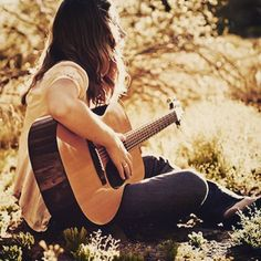 Poses with Guitar🎸 Acoustic Guitar Photography, Musician Photography, Alone Photography, Girl Photography Poses, Outdoor Photography, Acoustic Guitar Lessons, Acoustic Guitars, Guitar Girl, Girly Pictures