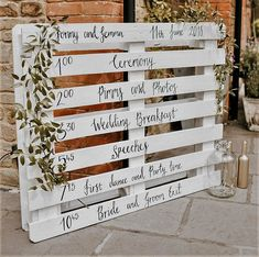 20 Eco-Friendly Greenery Wedding Color Ideas rustic white and green wedding sign Pallet Wedding, Wedding Signage, Rustic Wedding, Pallet Ideas For Weddings, Modern Diy Wedding Decor, Diy Wedding Tent, Green Wedding, Wedding Colors, Wedding Day