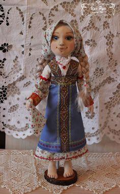 С детства я очень люблю сказки, особенно русские народные. Конечно, я знаю сказку о Финисте — Ясном Соколе, но не так давно я познакомилась со «Сказом о Ясном Соколе», где поведана история о путешествии Настеньки по космосу на вайтманах и вайтмарах в поисках своего суженого Ясного Сокола из созвездия Финиста. Она оказалась гораздо интересней и вдохновила меня на участие в конкурсе и создание…