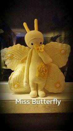 Crochet Bee, Kawaii Crochet, Crochet Dragon, Crochet Butterfly, Crochet Doll Pattern, Crochet Gifts, Crochet Patterns, Knitted Dolls, Crochet Dolls