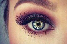 Linda maquiagem e lindo o olho!