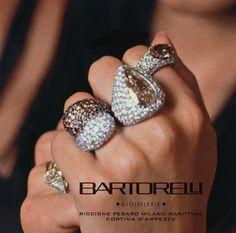 Anelli di diamanti bianchi e diamanti brown by Bartorelli Maison
