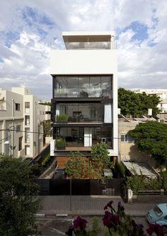 Tel Aviv Townhouse / Pitsou Kedem Architects