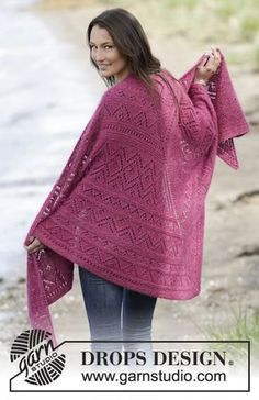 """Raspberry Wrap by DROPS Design Knitted DROPS shawl in garter st with lace pattern in """"Alpaca"""" and """"Kid-Silk""""."""