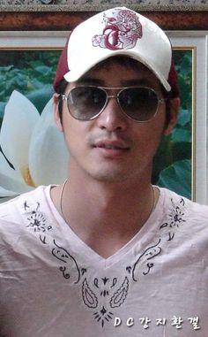 image Kang Jihwan