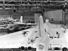 This later picture of the same assembly hall clearly shows Avro Vulcan in production, with the far larger tail-cone and brake parachute housing clearly seen at the bottom of the image. Military Jets, Military Aircraft, B1 Bomber, Vickers Valiant, Anti Flash, V Force, Nuclear Force, Avro Vulcan, British Aerospace