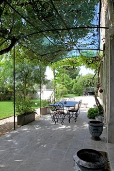 Tina Motta While early inside thought, the particular pergola has become encountering a bit of Metal Pergola, Outdoor Pergola, Pergola Plans, Outdoor Rooms, Outdoor Gardens, Outdoor Decor, Pergola Ideas, Pergola Kits, Gazebos