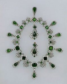 The Diamond & Emerald necklace of Marie~Louise; Louvre museum