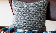 Hurtigt strikket pude i groft garn. Diy Pillows, Summer Nails, Knit Crochet, My Design, Knitting, Inspiration, Women, Tips, Fashion