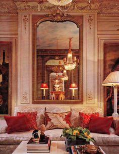 Living Room Parisian pied-á-terre by Timothy Corrigan. AD Dec 07