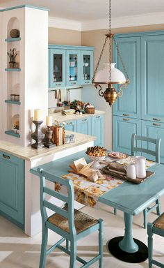 Oh my God this is such an adorable traditional kitchen design from Lussora Kitchen Studio. Farmhouse Kitchen Decor, Home Decor Kitchen, Kitchen Interior, Home Kitchens, Diy Home Decor, Kitchen Ideas, Dining Room Design, Interior Design Living Room, Küchen Design