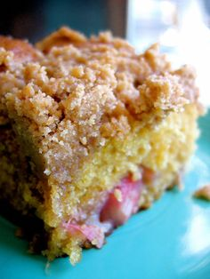 Rhubarb Streusel Coffee Cake You won't be able to resist this easy and delicious coffee cake - spring on a plate! - The Bojon Gourmet's Rhubarb Streusel Coffee Cake: tender cake, pockets of creamy rhubarb, and loads of brown sugar streusel Rhubarb Coffee Cakes, Streusel Coffee Cake, Rhubarb Desserts, Rhubarb Cake, Köstliche Desserts, Delicious Desserts, Rhubarb Muffins, Rhubarb Crumble, Rhubarb Cream Cake Recipe