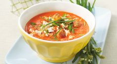Paprika-tomatensoep met fetakaas Wine Recipes, Real Food Recipes, Vegetarian Recipes, Yummy Food, Healthy Recipes, Austrian Recipes, Soup Kitchen, What To Cook, Food Presentation
