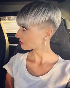 Very Short Haircuts for Fine Hair - Casual Everyday Hair Styles Very Short Haircuts, Haircuts For Fine Hair, Everyday Hairstyles, Short Hairstyles For Women, Pixie Hairstyles, Medium Hair Styles, Short Hair Styles, Bowl Cut, Popular Haircuts