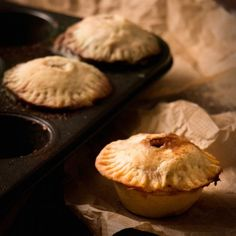Harry Potter | Steak & Kidney Pies. Perfect for your next Harry Potter dinner party these individual steak and kidney pies will balance all the sweets brought to the table! #tarts #savory #pies #recipes Steak And Kidney Pie, Pie Recipes, Tarts, Muffin, Harry Potter, Sweets, Dinner, Breakfast, Desserts