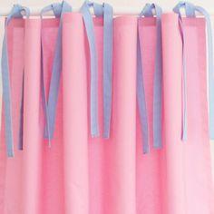Hochbettvorhang rosa mit Schlaufen blau